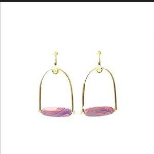 NWT Kendra Scott Pink Rainbow Sassy Gold earrings